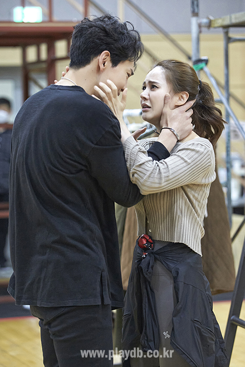 """""""지금 여기, 우리의 이야기"""" 연출가와 배우들이 말하는 '렌트'는?"""