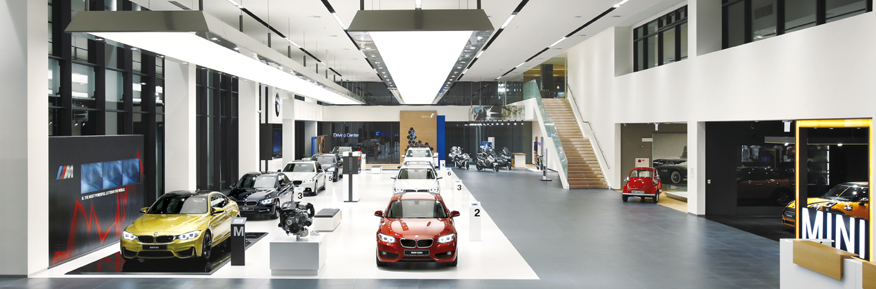 BRAND EXPERIENCE - BMW의 어제와 오늘을 만나십시오.