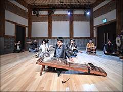Enjoy your summer vacation with traditional Korean music!